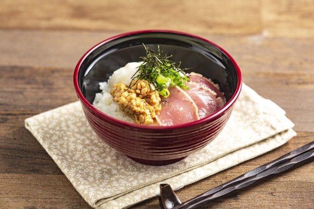 ■焼津産マグロの山かけ納豆丼