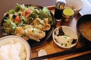 東口にある、CHAI茶房さんの『日替わり定食』 850円!