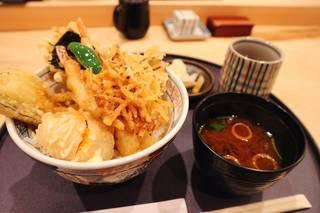 鰻・天麩羅割烹 萬木(ユルギ)さんの『天丼』 1,000円!