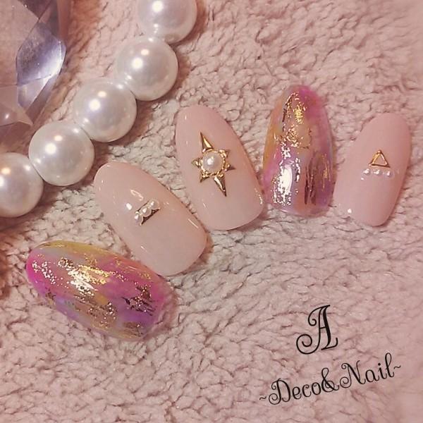 18.ふんわりピンクの優しいお洒落ネイル