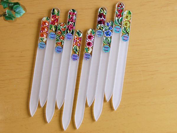 ガラス製爪やすりでキレイに削る使い方、3つのポイントとは? | ネコの手も借りたい (4111)