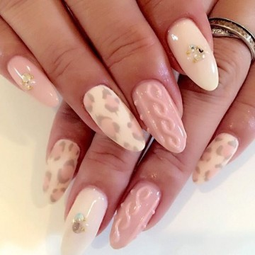 ピンク×ヒョウ柄ネイル