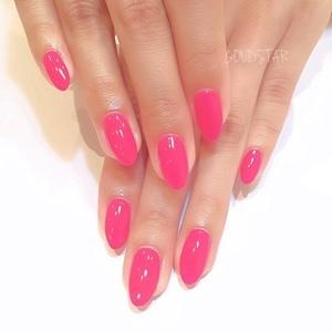 鮮やかなピンク