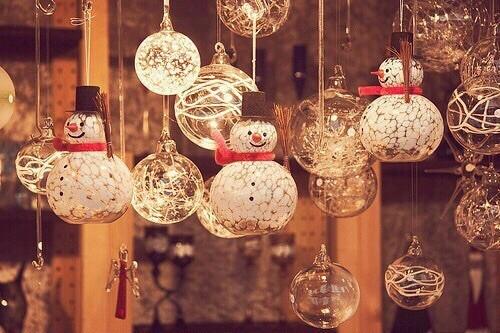 christmas, light, pretty, snowmen, white, winter - inspiring picture on Favim.com by Sabrina | We Heart It (10991)