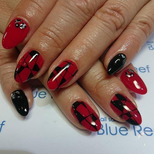 グラフィックネイル. 赤と黒