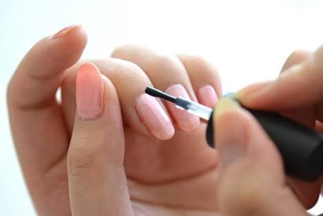 塗る時の手の方向に注意