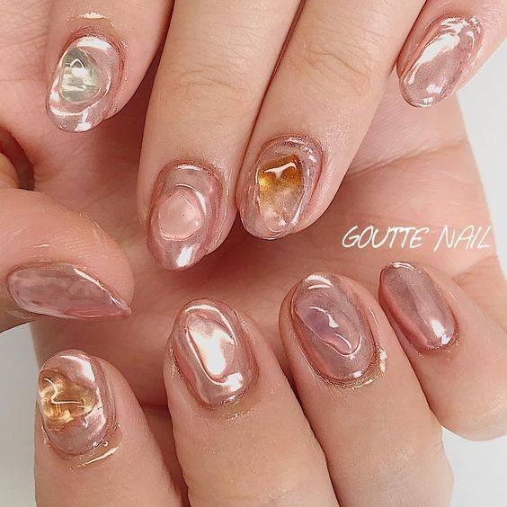 くすみピンクの天然石ネイル