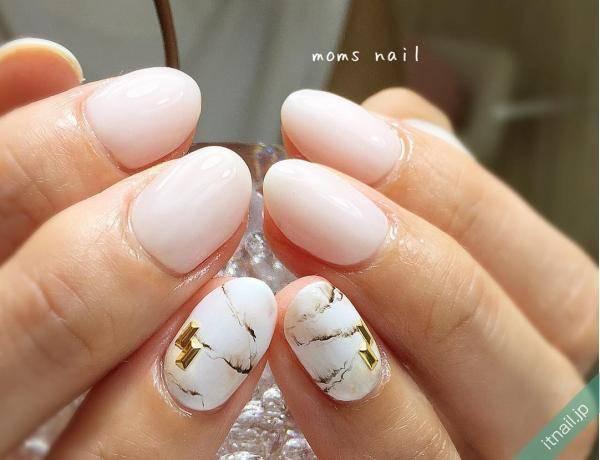 10.ひんやり感のあるホワイト大理石