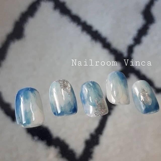 4.クリアブルー水滴ネイル