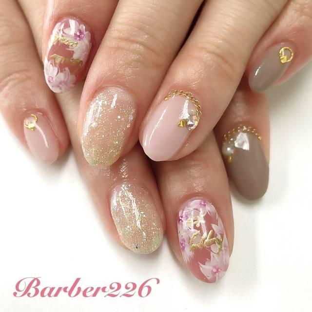 45.大人カラー桜ネイル