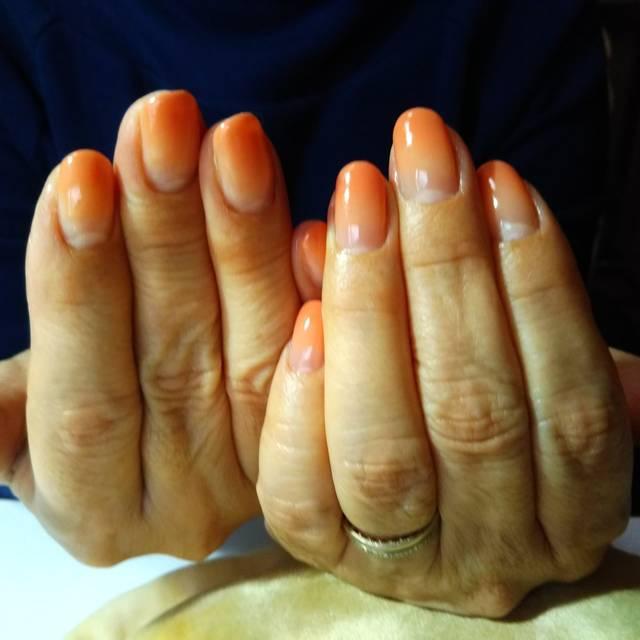 34.オレンジグラデーションネイル