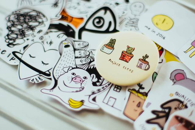 Sticker, badge, cartoon and drawing | HD photo by chuttersnap (@chuttersnap) on Unsplash (33999)