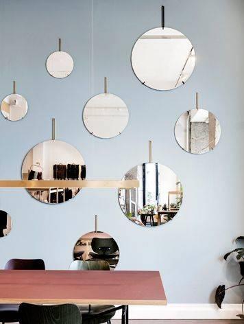北欧デザインMOEBE(ムーベ)のシンプル至極の壁掛けのウォールミラー。どんな空間も上質で洗練された印象になる美しい鏡は住宅のインテリアからホテルやモデルルーム、飲食店のレストルームまで。 | トイレ in 2019 | Mirror wall collage, Wall mirrors entryway, Mirr… (34609)