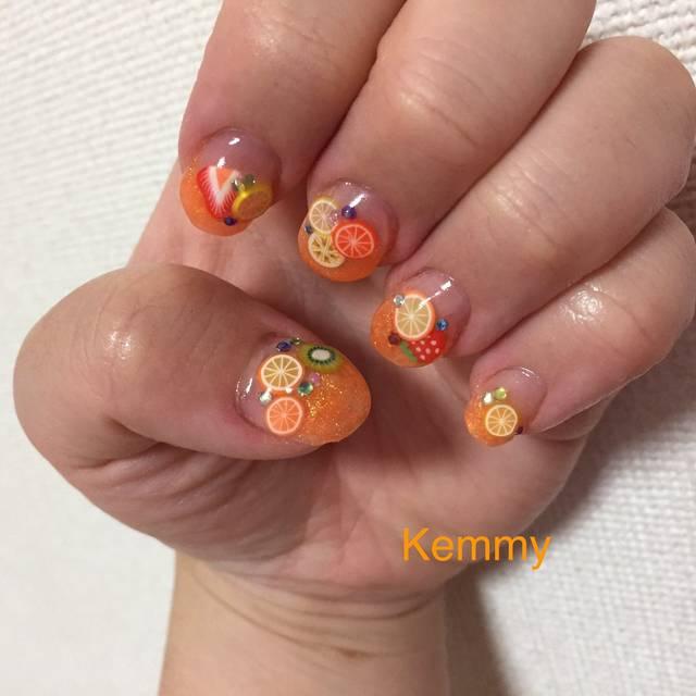 11.オレンジラメフレンチとフルーツネイル