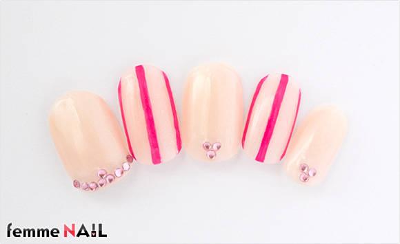 15.ピンクのストライプネイル