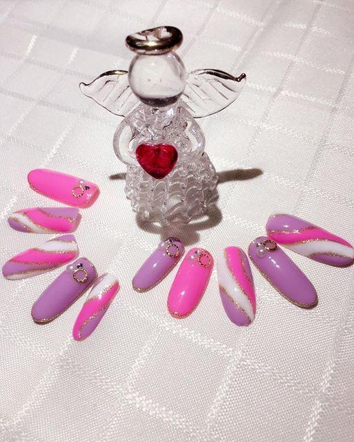 ピンクとパープルの、ゴージャスセレブネイル♪