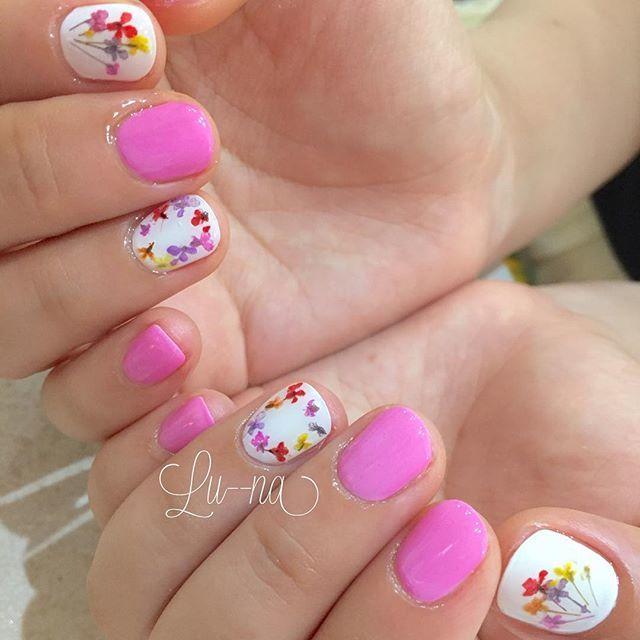 9.ホワイト×ピンク×お花の可愛いコラボ♪