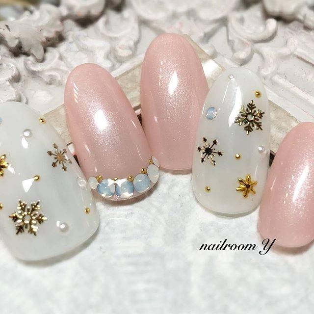 ホワイト×ピンクネイル