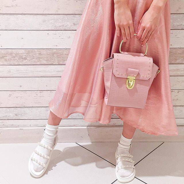 "@honeysalon_shop on Instagram: ""spring coordinate♡. . skirt ¥11,500+tax bag ¥10,000+tax sandal ¥8,900+tax . #honeysalon#honeysalonbyfoppish  #ハニーサロン…"" (19967)"