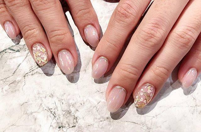 "𓇼Yoshiko.Morioka𓇼 on Instagram: ""🕯✨ #nail #nails #nailart #naildesign #nailstagram #instanails #gelnails #beige  #ネイル #ネイルアート #ネイルデザイン #ジェルネイル #クリアネイル #ニュアンスネイル #ニュアンスアート…"" (20200)"