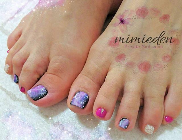 "private nail salon ""mimieden"" on Instagram: ""♡ . #フットネイル #フットジェル #ギャラクシー #ギャラクシーネイル #宇宙ネイル #オシャレネイル #派手かわ #キラキラ #春ネイル #夏ネイル #ミラーネイル #summernails #springnails #footnails #footgel…"" (20772)"