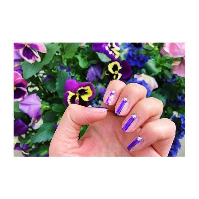 """@3o303o on Instagram: """"自分ネイルチェンジ💅 ウルトラバイオレット!!!! 桜もいいけどパンジーも綺麗だぞー!! 休みだけど歯医者しか予定ないわ!  #ネイル#セルフネイル#ジェルネイル#ショートネイル#nail#mynail#ネイルデザイン#nailstagram#nailart…"""" (21052)"""