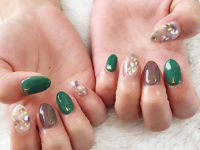 "nailroom / be_happy on Instagram: ""#ジェルネイル #マーブルネイル #シェルネイル #金箔ネイル #ブラウンネイル #グリーンネイル #シンプルネイル #ネイルデザイン #東近江ネイル #behappynail #nail  #nails #naildesign #nailart #nailstagram"" (21275)"