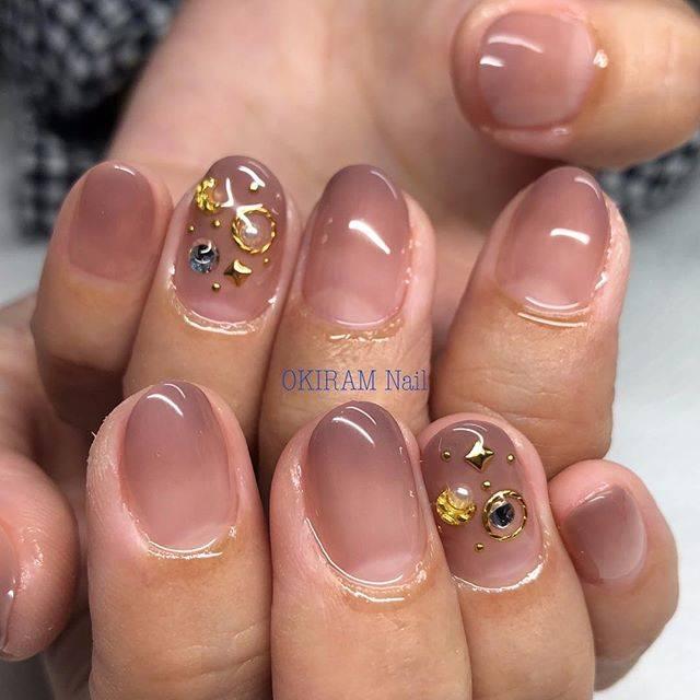 "OKIRAM Nail on Instagram: ""お客様ネイル✨ 持ち込みデザインです♬ 秋は大人っぽいデザインが増えますねぇ😍 つやつや#大人ネイル #秋ネイル  ありがとうございました! #gelnail #gelnails #gelnailsdesign #gelnailart #nail #nailart #nails…"" (22654)"