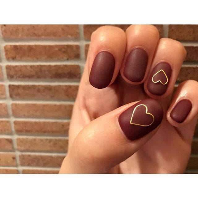 "4norose🌹 on Instagram: ""ボルドーのマットネイルにしました❤️ #nail#newnail#mattenails #mattnail#bordeaux#bordeauxnails #heart#happy#good#like #favorite#autumnnails…"" (22995)"