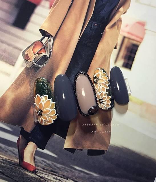 "Jimmy Kim ⚜️nail artist⚜️ on Instagram: ""木目調フラワー#nails_jun#nails #gelnails #naildesign#flower#nailart#nail#flowernail#simplenails #ワンカラーネイル#ジェルネイル#キュートネイル#フラワーネイル#ネイルデザイン#ネイル…"" (26153)"
