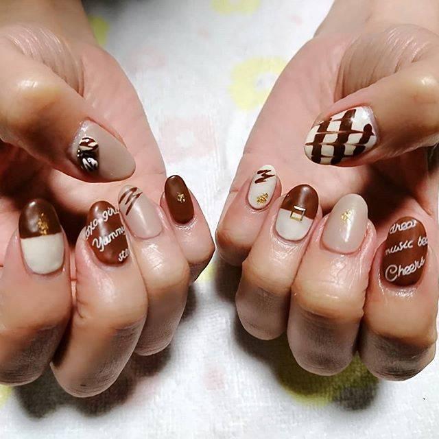 1.マットチョコレートネイル