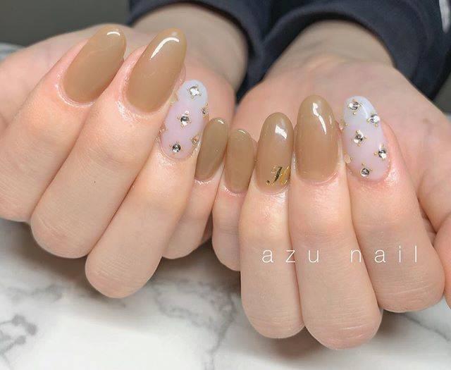 "Sari on Instagram: ""New nail💅今回もドストライク🥺💖あずちゃんいつも有難う御座います🙇♂️イニシャルわずっとHです🤵🏻💖.#newnail#プライベートサロン#楠葉 #ストーンネイル#イニシャルネイル#可愛い💕"" (27354)"