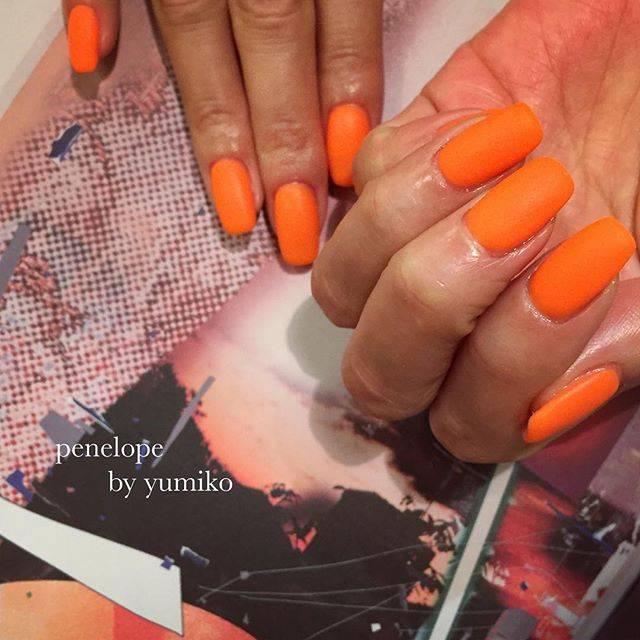 14.ビビットオレンジ単色ネイル