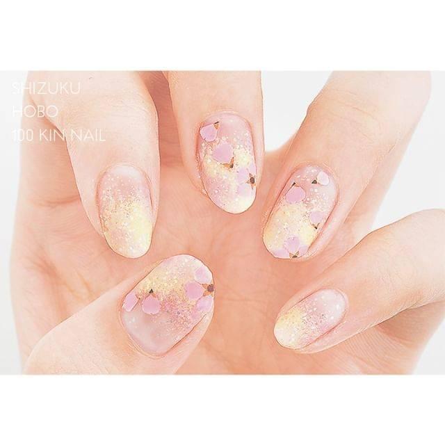 1.春色桜ネイル