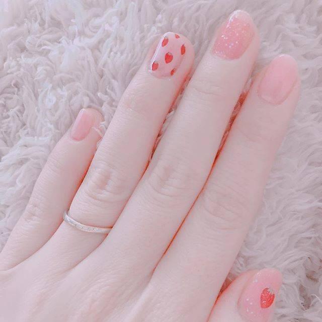 5.春ストロベリーピンクネイル