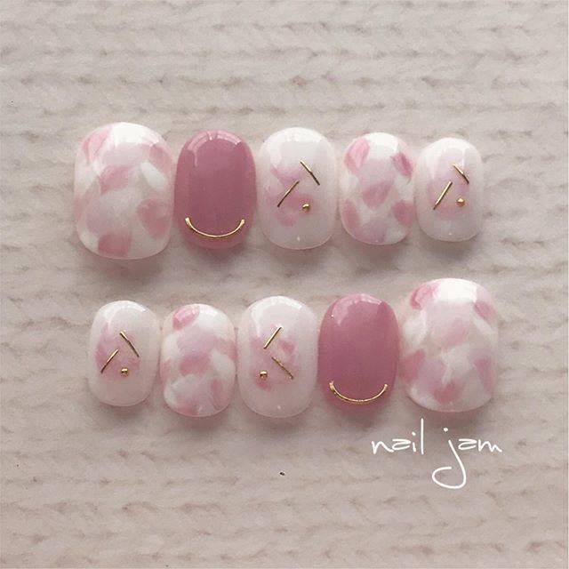 13.桜カラーニュアンスネイル