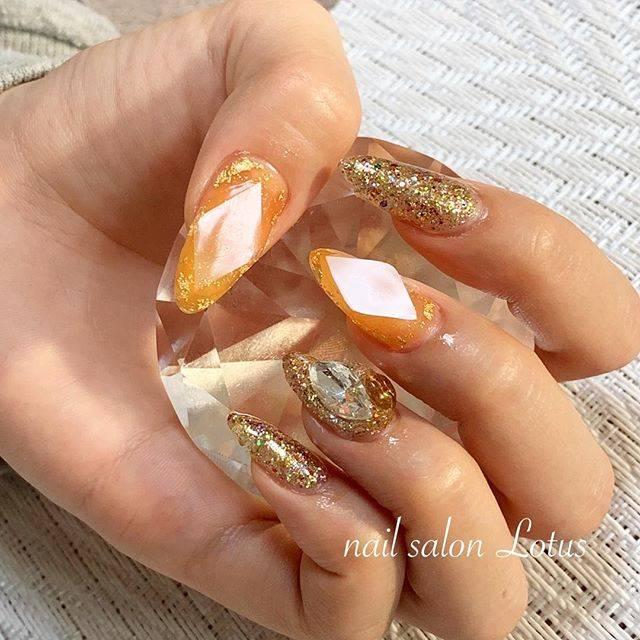 46.オレンジ宝石ネイル