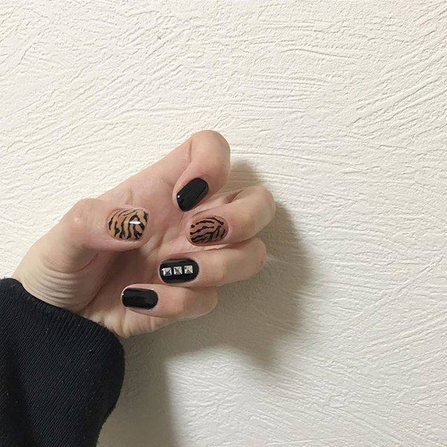 1.ブラックタイガーネイル