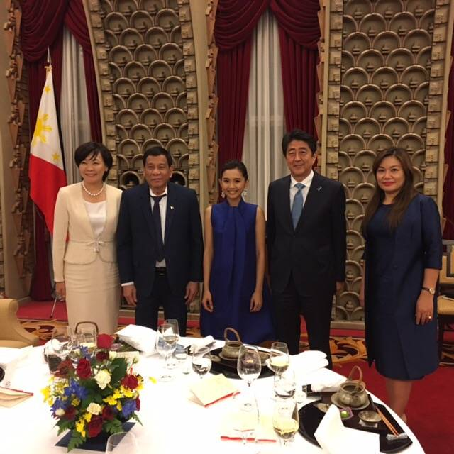 Beverly「ASEAN設立50周年記念晩餐会」にて各国首脳の前で凱旋歌唱!