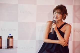 紗栄子 5ヶ月ぶりのイベント出演でサプライズバースデー