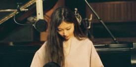 """大塚 愛 自身初のピアノ弾き語り""""スタジオライブ""""作品『aio piano』発売!本人コメントも到着!"""
