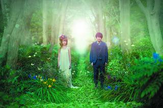 moumoon、3月14日発売アルバム「Flyways」の新ビジュアル、全収録楽曲を解禁