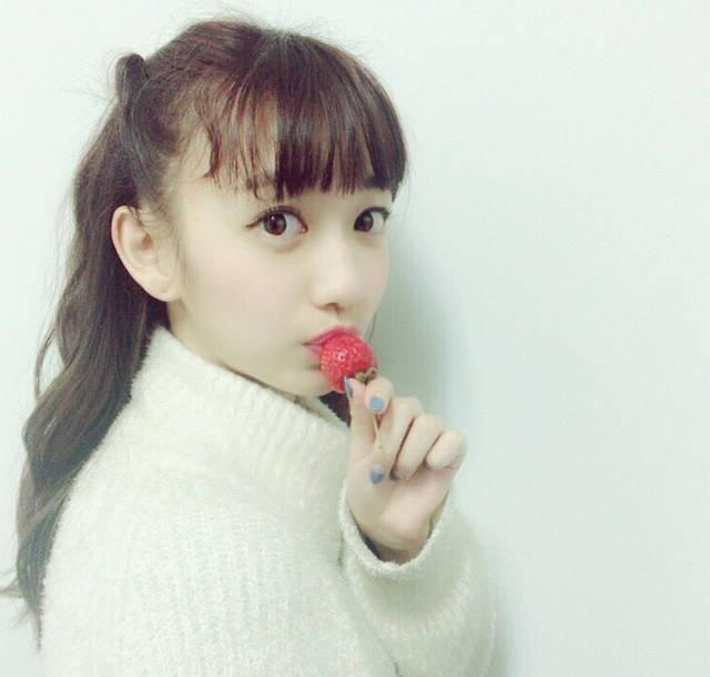 Cheeky Parade(チキパ)関根優那の白ニットいちごが可愛すぎ!【可愛いさマシマシ!】