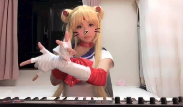 高木里代子がコスプレ姿でアニソン演奏を披露!セーラームーンでリアルにお仕置き!