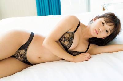 浅川梨奈(SUPER☆GiRLS) 華の現役JKとしてラストの姿を披露する自身2作品目となる写真集のタイトルと表紙を解禁