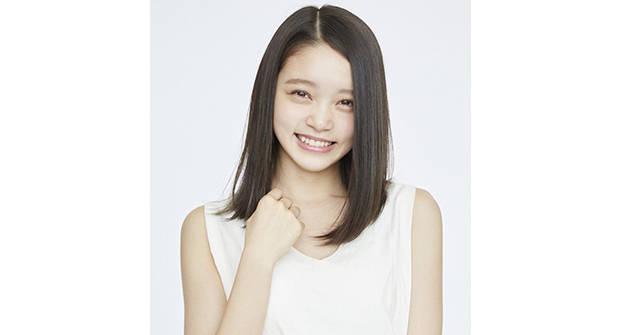 【奇跡の一枚】から一年。【究極の笑顔】で大きな話題となった美少女あかりがこの夏女優デビュー!