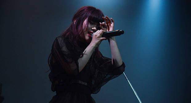 MONDO GROSSO、BiSHのアイナ・ジ・エンドが歌う「偽りのシンパシー」のGREENROOM FESTIVAL'18でのライヴ映像が公開