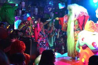 Kawaii × 盆踊り!? DJ KOOの日本文化満載『和Kawaii盆踊り』に外国人観光客も大興奮!