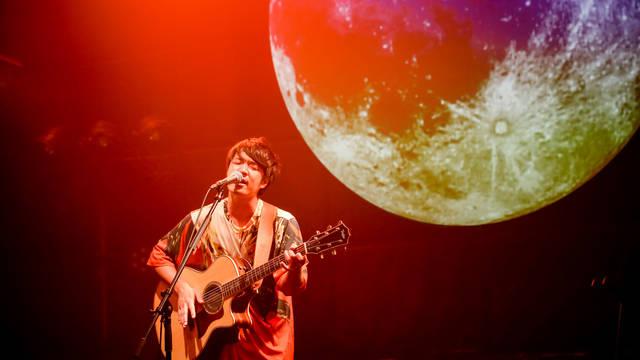 戸渡陽太、ツーマンライブ「10番勝負 -番外編-」完結! 日食なつことの共演であの名曲も