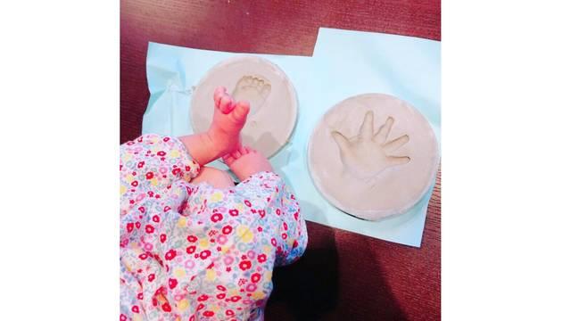 丸高愛実、娘の誕生1ヶ月をお祝い!パパの柿谷選手似であることを明かす